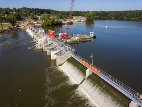 Michels repaired and replaced 8 tainter gates and 9 existing concrete piers at the Kaukauna Dam. The dam was last rebuilt almost 90 years ago, and was severely deteriorating.